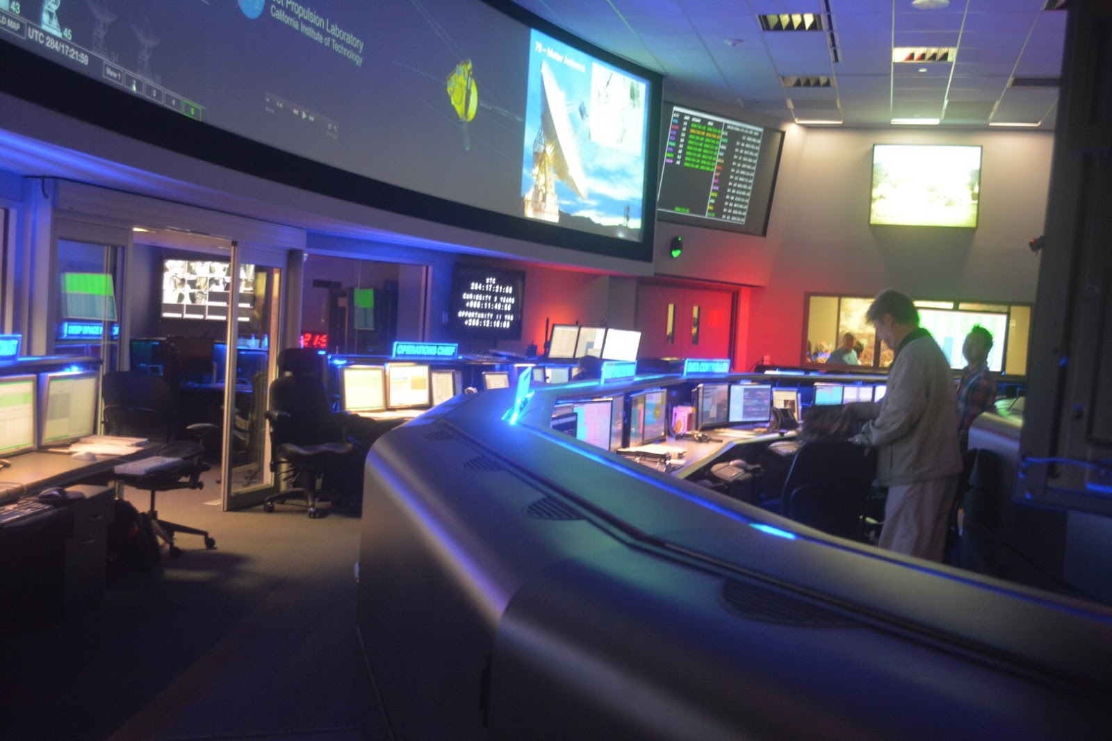 f4b1b6939ae8a Mission Control inside the Space Flight Operations Facility